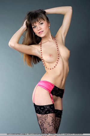 Marie-anaelle outcall escort Trail, BC
