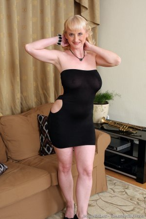 Maria-emilia black escorts in Whitefield, UK